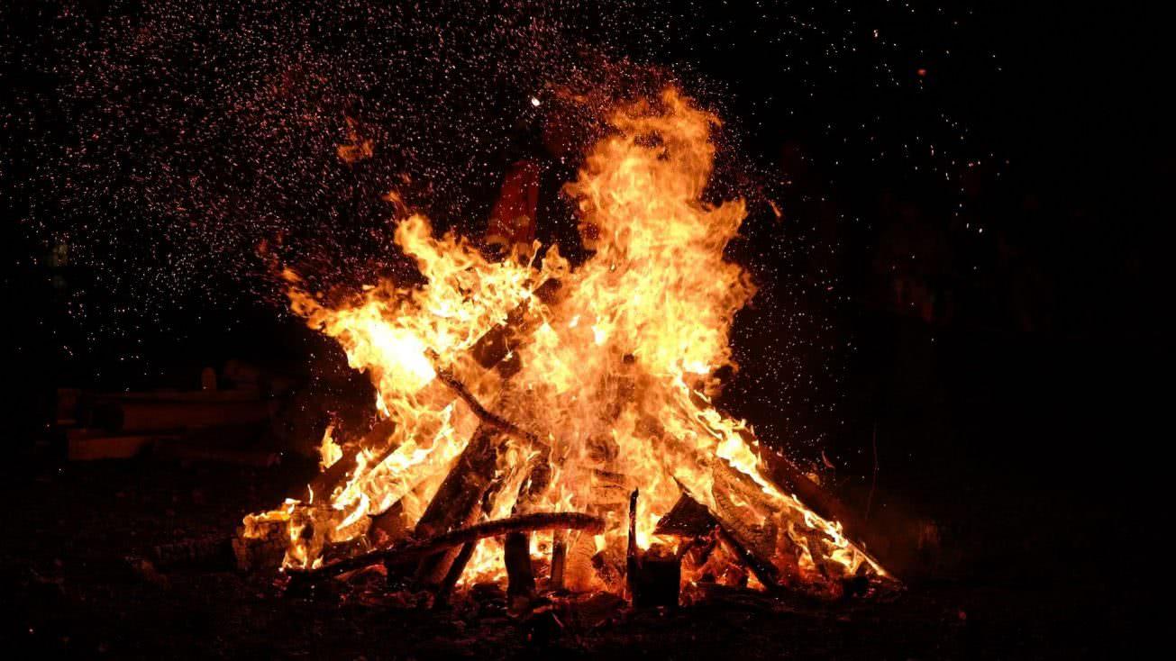 Shabbaton After-party Bonfire 1